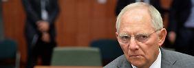 Der skeptische Blick von Finanzminister Schäuble ist eher ein Fall von Griechenland-Skepsis. Mit den Kursen und Renditen am Anleihemarkt hat er nichts zu tun.