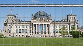 Mehrtägige Attacke: Hacker greifen den Bundestag an