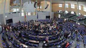 Gewerkschaften kündigen Klage an: Tarifeinheitsgesetz trotz Gegenwehr beschlossen