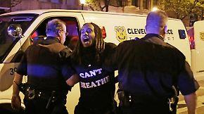 Bitteres Déjà-vu in den USA: Polizist nach Kugelhagel auf Schwarze freigesprochen