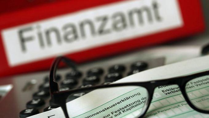 Nervosität bei Superreichen wächst: Schweiz nennt Namen möglicher Steuersünder im Netz