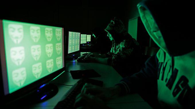 Amped Attacks nutzt ein Hashtag, das auch die Gruppierung Anonymous gerne verwendet.