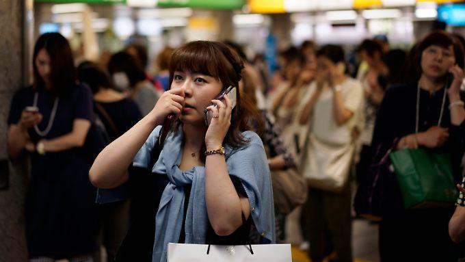 In der Tokioer U-Bahn stand während des Bebens alles still.