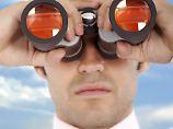 Knapp jeder zweite Personaler achtet auch private Aktivitäten der Kandidaten.