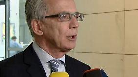 Cyber-Attacke auf Bundestag: De Maizière bietet Hilfe des Verfassungsschutzes an