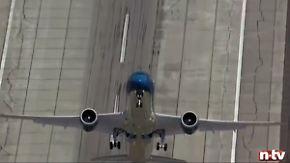 Bitte anschnallen!: Dreamliner zeigt spektakuläres Flugmanöver