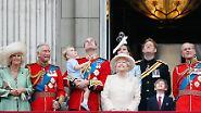... wurde im April 89 Jahre alt. Die öffentliche Feier findet jedoch traditionell am zweiten Juni-Samstag in London statt - dann ist besseres Wetter als im April.