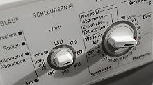 Laut Statistik wird eine Waschmaschine heute nach 13 Jahren ausgetauscht. Wenn das Gerät schon innerhalb von zwei Jahren schlappmacht, kann die gesetzliche Gewährleistung helfen.