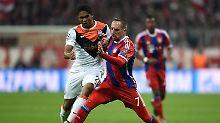 Möglicherweise bald Teamkollegen beim FC Bayern: Douglas Costa (l.) und Franck Ribery.