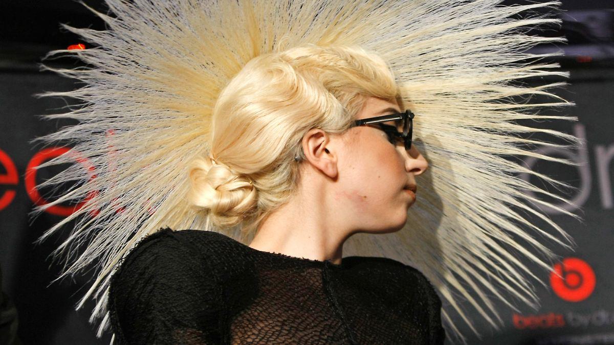 Sehr freizgiges Cover: Extrem intim: Hier zeigt Lady Gaga