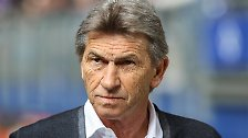 Wählte nach seiner aktiven Karriere eine Laufbahn als Trainer. Coachte Nürnberg, Leverkusen und Wolfsburg in der Bundesliga. Ging in die Geschichte ein als der einzige Trainer der Bundesliga, der in einem Spiel viermal auswechselte. Heuerte Mitte Februar beim Bezirksligisten SV Donaustauf an!