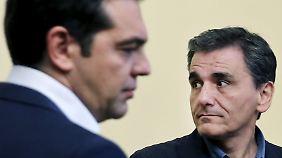 Alexis Tsipras und sein neuer Finanzminister Euklid Tsakalotos.