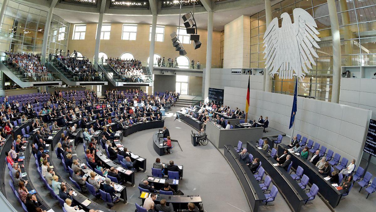 Lukrative Nebenjobs: Abgeordnete verdienen sich Millionen dazu - n-tv.de