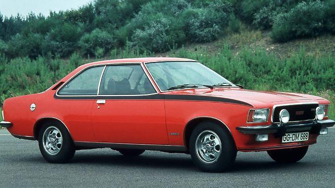 Sein geschmeidiger Reihensechszylinder macht das Fahren mit dem Opel Commodore zum Genuss.