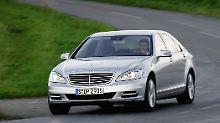Mercedes setzt in Zukunft bei seinen Luxuslimousinen auf Energieeffizienz.