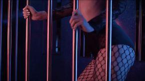 Neues Video von MoTrip: Lena räkelt sich verführerisch im Käfig