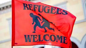 Täglich Tausende neue Flüchtlinge: SPD-Politiker ruft zum Aufstand gegen Fremdenhass auf