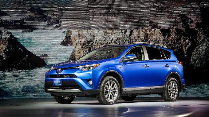 Weniger verkauft - aber deutlich mehr verdient: Toyota spannt die Muskeln.