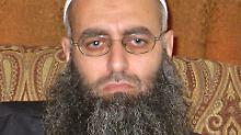 Der gesuchte Salafisten-Scheich Ahmed al-Asir2012 im Libanon.