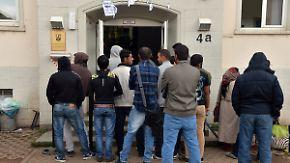 "Frühjahrsprognose verdoppelt: De Maiziére: ""800.000 Asylsuchende erwartet"""