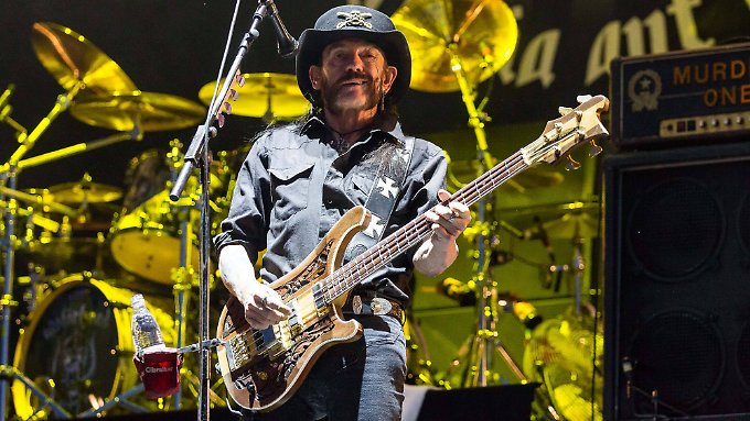 Seine Gesundheit macht Sorgen: Lemmy Kilmister (bei einem Motörhead-Auftritt bei Rock am Ring am 7. Juni 2015).