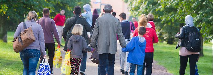 Flüchtlingsströme nach Deutschland: Bundesamt: Zahl der Syrer wird noch steigen