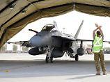 Australische F18 auf einer Basis in Dubai - jetzt müssen die Piloten wieder aufsteigen.