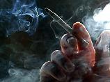 Fünf Jahre früher tot: Studie: Raucher entlasten Gesellschaft