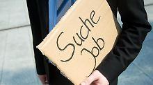 Die Jobsuche ist oft langwierig und ermüdend: Statt nur auf die richtige Stellenanzeige zu warten, sollten Bewerber jedoch auch eine Initiativbewerbung in Betracht ziehen.