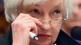 Anhebung doch erst 2016?: US-Notenbanker streiten über Zinswende