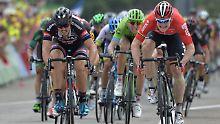 John Degenkolb (r.) und Andé Greipel (l.) im Sprintduell bei der diesjährigen Tour de France.