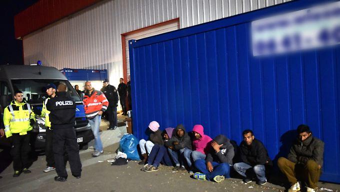 Nach Schlägerei von Calden: Polizei und Politik fordern Trennung von Flüchtlingen