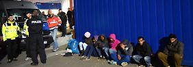 """Trennung von Flüchtlingen: Vorschlag """"weist Weg in Teufels Küche"""""""