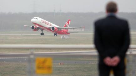 "Schwerwiegende Entscheidungen"": Air Berlin droht Jobabbau - n-tv.de"