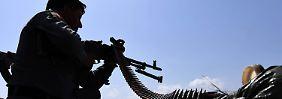 Kampf gegen IS und Taliban: Afghanistan bewaffnet seine Bürger