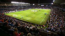 + Fußball, News, Gerüchte +: Real-Madrid-Ultras prügeln in Malmö