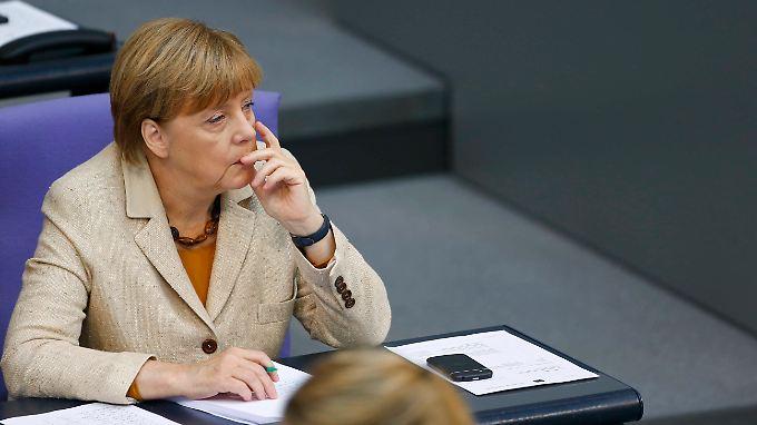 Merkels Kanzlerschaft auf Kippe?: Ton in der Debatte um Flüchtlingspolitik wird rauer