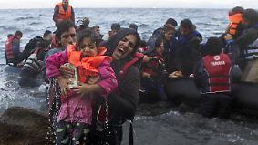 Gefährliche Flucht über das Meer: Immer mehr Frauen und Kinder riskieren Überfahrt