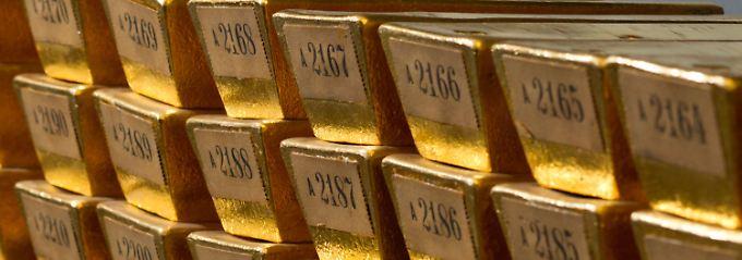 Gestapelte Goldbarren im Keller der Bundesbank: Die insgesamt 3384 Tonnen Edelmetall sollen Deutschland als Anker und Schutzschirm dienen.