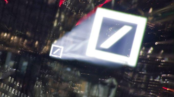 Gewinnwarnung, Ergebniseinbruch: Die Deutsche Bank schockt die Anleger.