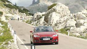 Elektro-Revoluzzer im Test: Schafft's das Tesla Model S über die Alpen?