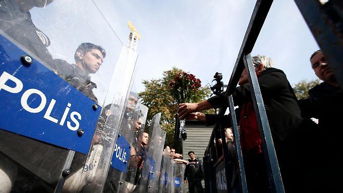 """""""Regierung ist der Mörder"""": Anschlag von Ankara sorgt für Unmut und Wut beim Volk"""