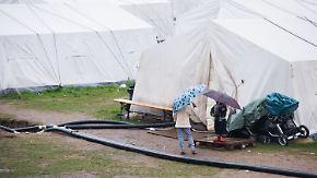 Hamburg verspricht Abhilfe: Flüchtlinge müssen in unbeheizten Zelten ausharren