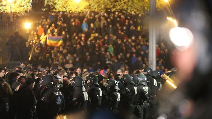Am Rande der Demonstrationen gab es offenbar kurze und heftige Zusammenstöße.