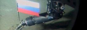 Im Meeresboden am Nordpol steckt schon seit 2007 die russische Flagge.