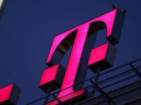 Einzelne Mobilfunk-Kunden der Deutschen Telekom sind Opfer einer Betrugsserie beim Online-Banking geworden. Foto: Oliver Berg/Archiv
