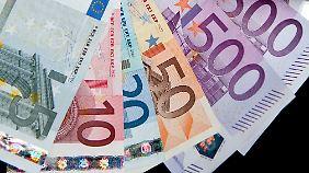 Sparen im Zinstief: Deutsche setzen bei Geldanlage auf Sicherheit