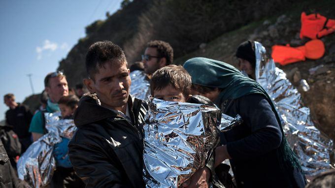 Noch immer kommen täglich Hunderte Flüchtlinge auif den griechischen Inseln an.
