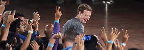 Zuckerberg will die Welt vernetzen: Nutzer sollen bei Facebook einziehen