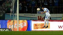 Marcel Heller erzielt das 1:1 für Darmstadt.